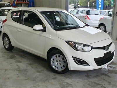 2013 Hyundai i20 PB MY14 Active White Manual 6sp M Hatchback
