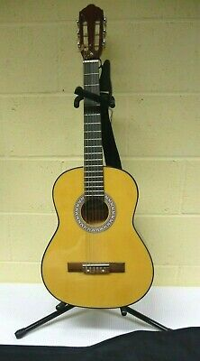 Jose Ferrer 3/4 Size Classical Acoustic Guitar, Stand & Gig Case Collect HU2