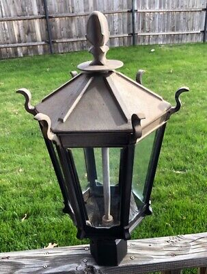 vintage outdoor gas light in good condition