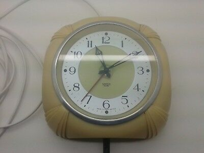 Rare Smiths Sectric Art Deco Cream Bakelite Electric Wall Kitchen Clock
