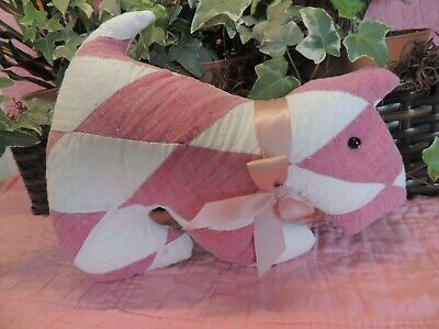 Vintage / Antique Quilt Puppy Dog - Country  Animals - Cute - Burgandy And White