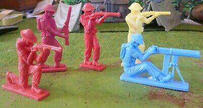 woolworths ww2 diggers 1960s  large scale 3 inch/80mm 5 figures in 4 positions