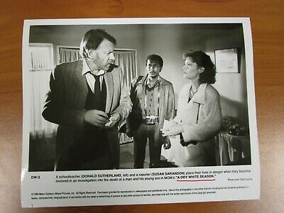 Vintage Glossy Press Photo Actor Donald Sutherland, A Dry White Season #2