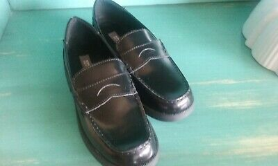 New Kenneth Cole Reaction Loafers Penny Boys Shoes Black Leather Dress Up Size 6