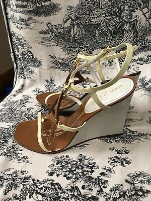 bc808c18903 LOUIS VUITTON WHITE Tan Patent Leather Quatrefoil Monogram Wedge Sandals 38