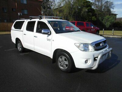 2010 Toyota Hilux GGN15R MY11 Upgrade SR5 White Automatic 5sp A