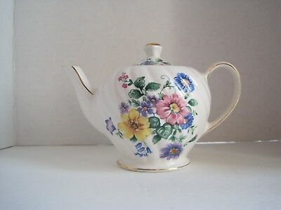 Windsor SMALL Personal Flowered Shabby Chic Teapot with Gold Trim England 4 1/4""