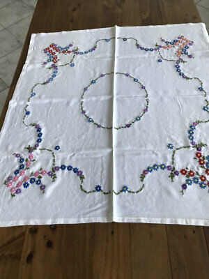 Vintage Floral Embroidered Tablecloth.