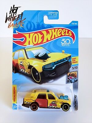 2018 Hot Wheels HW Metro Time Attaxi 1:64 Yellow Diecast Taxi Cab