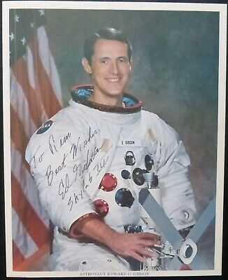 Signed  Edward Gibson-Autograph color- Skylab 3