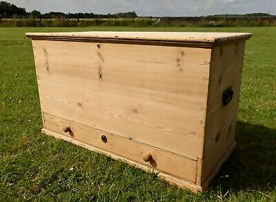 Old Pine Blanket Box  Mule Chest