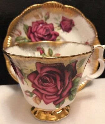 Royal Albert Fancy Huge Red  Roses  Heavy Gold Cup And Saucer 1# Quality England