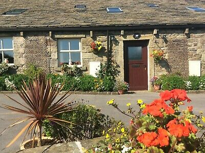 Farm holiday cottage for 4 in stunning Yorkshire countryside setting