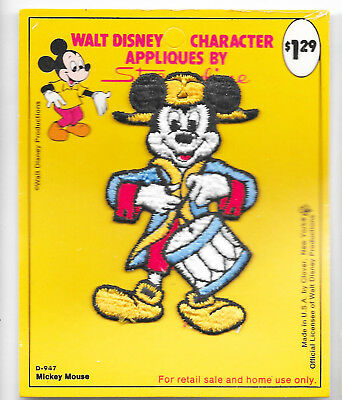"""WALT DISNEY PRODUCTIONS 3.5"""" PATCH 1950s STREAMLINE MICKEY MOUSE DRUMMER 1776"""