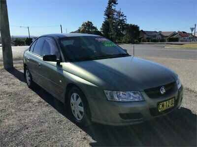 2005 Holden Commodore VZ Executive Gold Automatic 4sp A Sedan