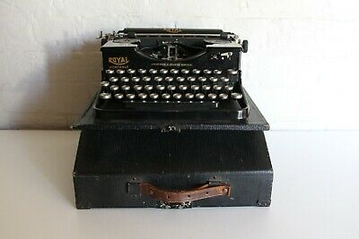 Antique Royal Portable Typewriter - Excellent Condition - Full working order