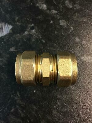 15mm Brass Compression Straight Coupling and Spare Olives
