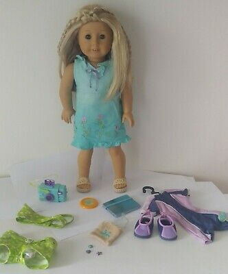 """American Girl Kailey Hopkins 2003 GOTY 18"""" Retired Doll w Accessories"""