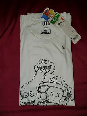 286363d3f KAWS x Sesame Street Uniqlo Graphic Tee T-Shirt Size Large White Elmo Cookie  DS