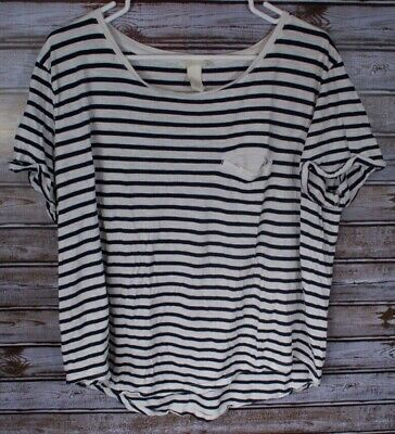 682a42eb4b33 Women's Divided H&M Basic Black and White Striped T-Shirt Short Sleeve -  Large