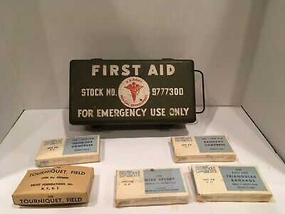 Vintage US Army Military First Aid Kit jeep Vehicle Medical Metal Box w/supplies