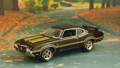 Special Edition 1972 Oldsmobile Cutlass 442 V-8 W-30 Muscle Car 1/64 Scale Ltd G