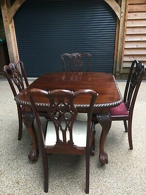Victorian Dining Room table & 6 Chippendale style chairs. Table 4ft x 3.6ft