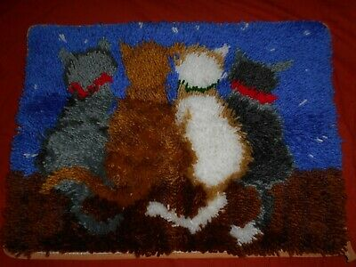 FOUR CATS UNDER THE STARS COMPLETED LATCH HOOK RUG (52 cm  x 38 cm)