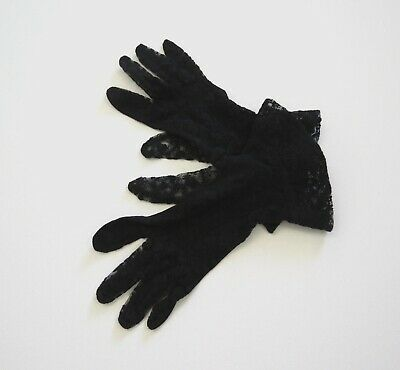 Black Vintage Lace Gloves With Wrist Ruffle - 1950s