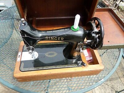 Singer 99K vintage hand crank sewing machine. Great condition with good case.