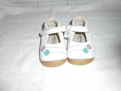 "M&S Infant Girls ""Walkmates""  WHITE FIRST Shoes Size UK 4 BNWOT"
