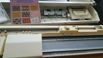 Brother kh 891 knitting machine with lace carriage
