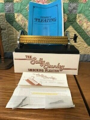 THE SALLY STANLEY Smocking Pleater 24 Row With Needles