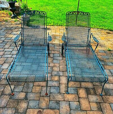 A pair of Wrought Iron Altieri Chaise Lounge Mesh outdoor Garden Lawn Yard pool