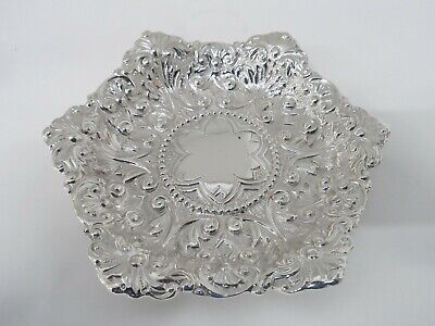Stunning Quality Large Solid Sterling Silver Dish - London 1900