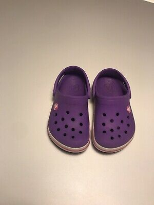 Child Crocs Girls Boys Purple Pink Size 6/7 White Band Strip