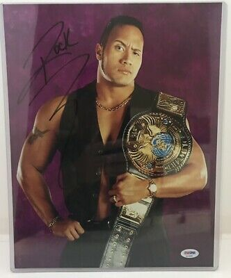 THE ROCK DWAYNE JOHNSON WWF / WWE Auto signed real PSA/DNA 11x14 glossy photo