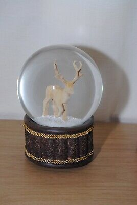 Lovely Medium Sized Reindeer Snowglobe / Waterdome Plays O Christmas Tree