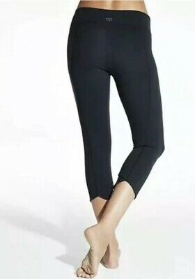 7807a868650af CALIA Carrie Underwood Essential Crossover Tight Crop Capri Medium Black