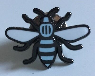 YELLOW MANCHESTER WORKING HONEY BEE KEEPER SOUVENIR ENAMEL PIN BADGE
