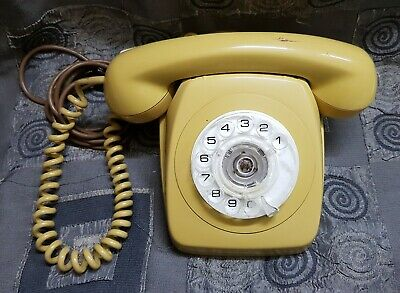 Vintage 1970's Retro Rotary Dial Telephone - Telecom Australia Collectable Phone