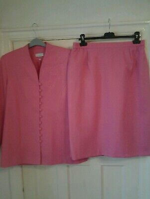 Classics marshmallow skirt suit.size 16.worn once