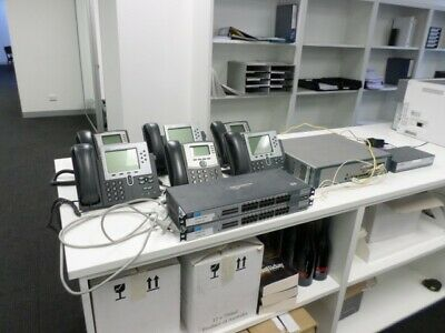 Cisco Unified 500 Series with Telephone Handsets Included