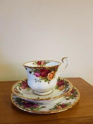 Vintage 1962 Royal Albert Old Country Roses Trio Tea Set Cup Saucer Plate