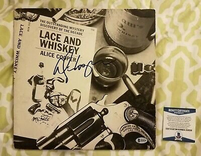 Alice Cooper signed Lace And Whiskey vinyl LP record Beckett/BAS #H56056