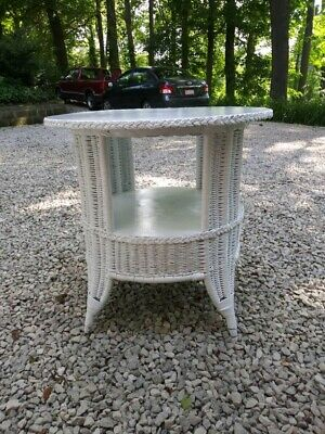 "Early Antique Heywood Wakefield Wicker Table In Excellent Condition 30-1/8"" Dia."