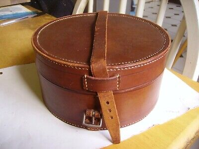 Lovely antique/vintage round leather stiff collar box from late Victorian period