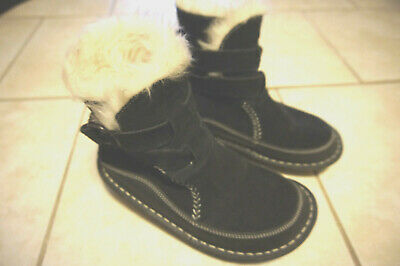 TIMBERLAND WOMENS 8.5 M Mukluk Pull On Suede Boots 64663
