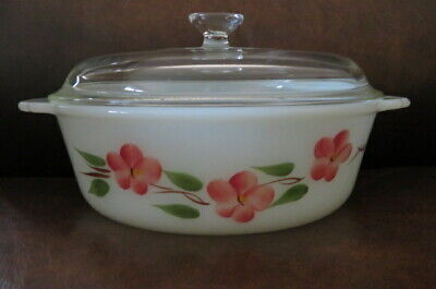 Vintage Fire King Anchor Hocking 1-1/2 Quart Covered Casserole - Peach Blossom