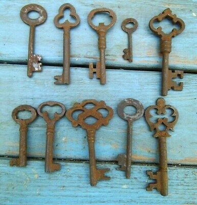 Rustic Iron Skeleton Key Lot of 10 Old West Locks Cabinets Chest #4